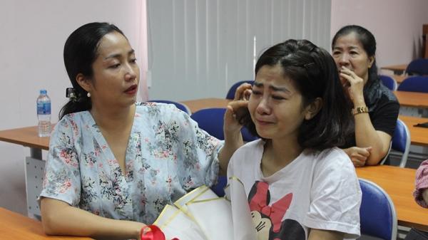 Mai Phương bật khóc vì xúc động trong ngày được xuất viện sau gần một tháng điều trị tích cực