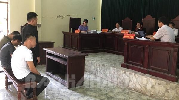 Trộm cắp 8.460 kg chì thỏi, 4 thanh niên Hải Dương lĩnh án hơn 40 năm tù