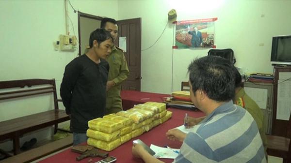 Bắt đối tượng Bắc Giang và đồng bọn thủ súng, vận chuyển hơn 10 vạn viên ma túy