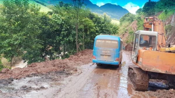 Quốc lộ 6  qua tỉnh Hòa Bình – Sơn La - Điện Biên vẫn còn nhiều điểm tiềm ẩn nguy cơ sạt lở đất đá