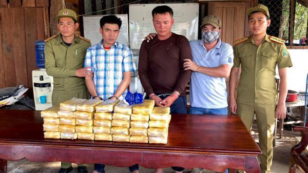 NÓNG: Triệt phá đường dây buôn bán ma túy xuyên quốc gia, thu giữ 200.000 viên ma túy