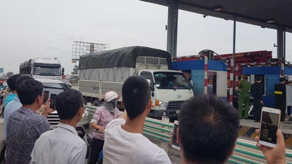 'Phản đối trạm thu phí số 1 QL5' ở Hưng Yên: Tài xế muốn phát hình trực tiếp đối thoại trên mạng xã hội