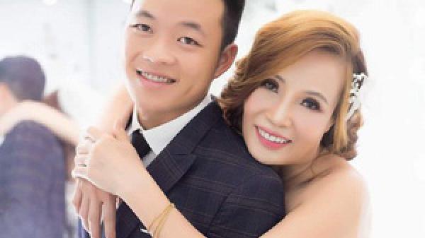 Chuyện đặc biệt đám cưới cô dâu 61 tuổi, chú rể 26 tuổi: Treo ảnh cưới với chồng cũ trong rạp