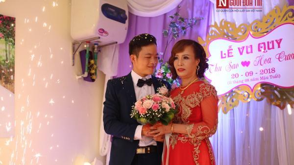"""Cận cảnh đám cưới có """"1-0-2"""" của cô dâu 61 tuổi lấy chồng 26 tuổi"""
