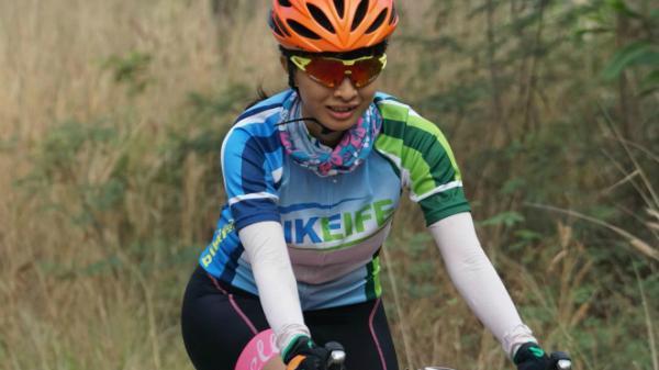Cô gái 14 năm ăn chay đạp xe leo đèo Tây Bắc hàng trăm cây số