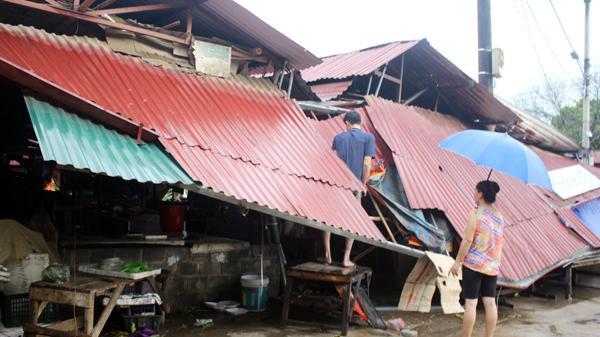 Lào Cai: Hơn 750 ngôi nhà bị ảnh hưởng do dông lốc