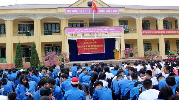 Bát Xát: Hơn 500 học sinh được tuyên truyền về an toàn giao thông, phòng, chống buôn bán người
