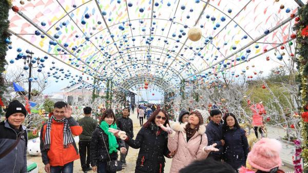 Lạc bước trên 'thiên đường tuyết rơi' tại lễ hội mùa đông Fansipan