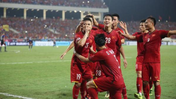 Tuyệt vời, thắng Philippines 4-2, Việt Nam vào chung kết AFF Cup 2018