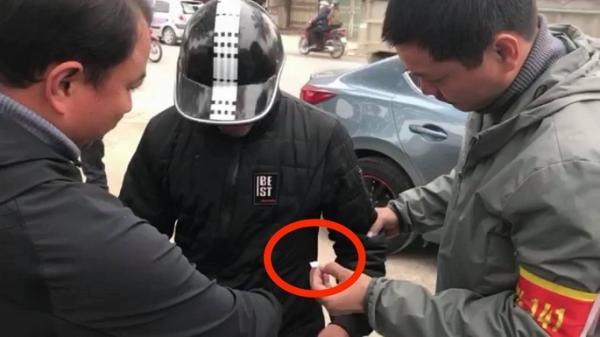 """Bị cảnh s.át 141 phát hiện m.a t.úy trong túi áo, thanh niên người Sơn La phân bua """"áo em đi mượn…"""""""