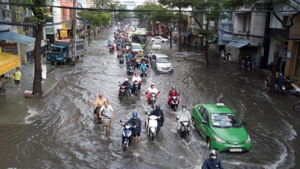 Triều cường trở lại Sài Gòn đúng dịp Noel