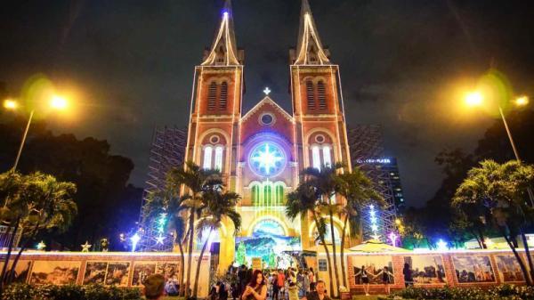 Những đ.ịa điểm đi chơi Noel ở Sài Gòn 2018 không thể bỏ qua