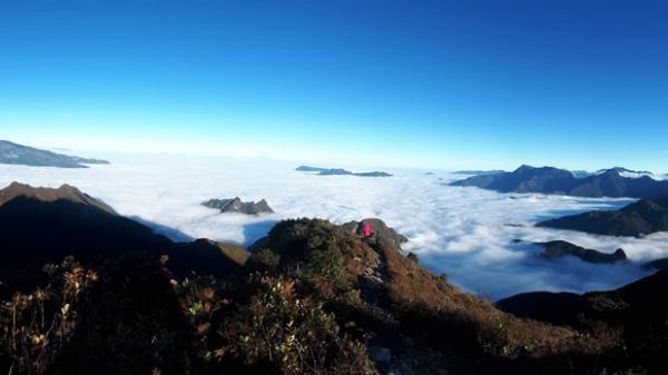 Quyến rũ mùa mây trên đỉnh trời Bát Xát
