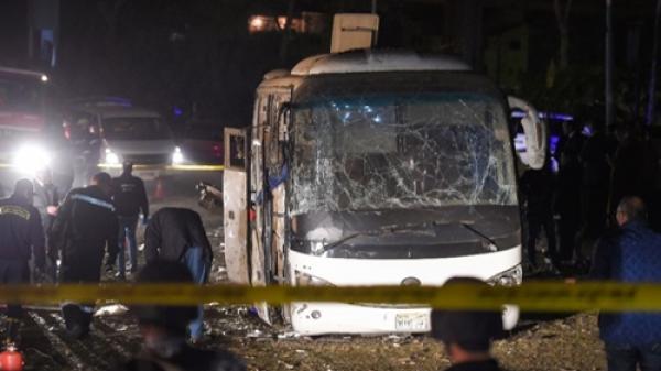 NÓNG: Xe chở du khách Việt bị đ.ánh b.om ở Ai Cập, 4 người t.hiệt m.ạng