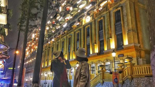 Bất chấp mưa lạnh, giới trẻ Việt liên tục khoe ảnh ở Sa Pa