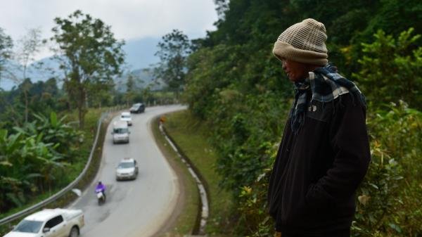 Cảnh đối lập ở Sapa ngày rét đậm