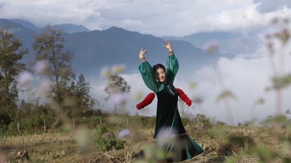 Sao mai Nguyễn Thu Hằng mang thiên nhiên Y Tý vào trong MV 'Nhà em ở lưng đồi'