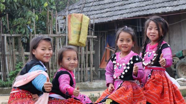 Tưng bừng ngày Tết truyền thống của đồng bào Mông, Sơn La