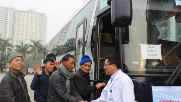 Những chuyến xe yêu thương chở bệnh nhân Sơn La về quê ăn Tết