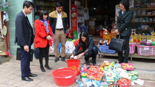 Xử p.hạt 2 cơ sở v.i p.hạm an toàn thực phẩm tại huyện Bát Xát (Lào Cai)