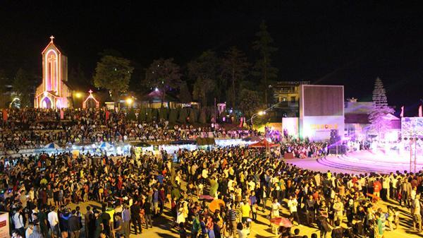 Gần 5 vạn lượt khách du lịch đến Lào Cai dịp nghỉ lễ Quốc khánh 2/9