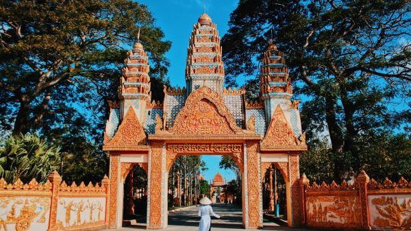 Chẳng cần phải lặn lội sang Thái Lan, từ Bến Tre cũng có thể dễ dàng đến 3 ngôi chùa lên hình siêu đẹp mà khiến ai nhìn cũng mê này