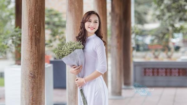 """Nữ sinh """"con nhà người ta"""" đến từ Nghệ An: vừa xinh đẹp lại học giỏi khiến vạn người mê"""