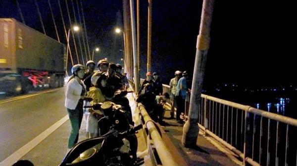 Cô gái nhắn tin cho bạn trai lên cầu Rạch Miễu tìm x.ác rồi biến mất