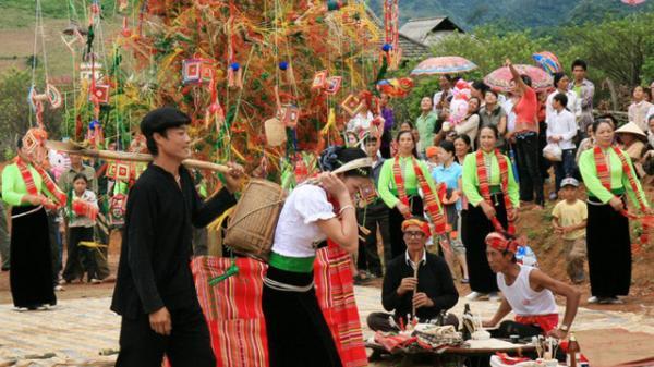 Sơn La: Nhiều hoạt động văn hóa đặc sắc tại Lễ hội Hết Chá Mộc Châu 2019