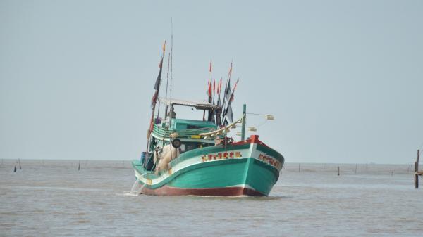 Hai tàu cá, 10 thuyền viên Cà Mau bị Malaysia b.ắt giữ