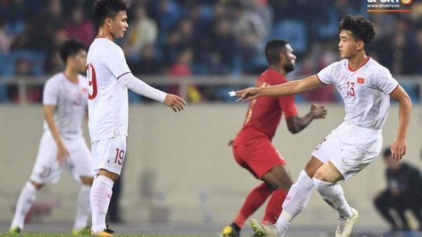 """Bật mí mảnh giấy HLV Park Hang-seo """"nhắc bài"""" Quang Hải trước khi U23 Việt Nam ghi bàn vào lưới của Indonesia"""