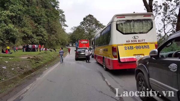 Phân luồng giao thông trên tuyến Quốc lộ 4D đoạn qua Lào Cai dịp nghỉ lễ 30/4 và 01/05