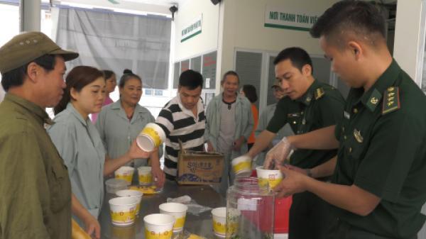"""Lào Cai: Chương trình """"Bát cháo tình thương"""" cho bện.h nhân nghèo"""