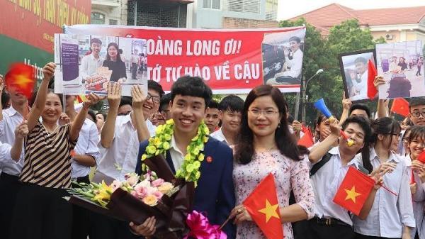 Trường THPT số 1 Lào Cai tưng bừng đón 'cậu bé vàng' đoạt giải quốc tế