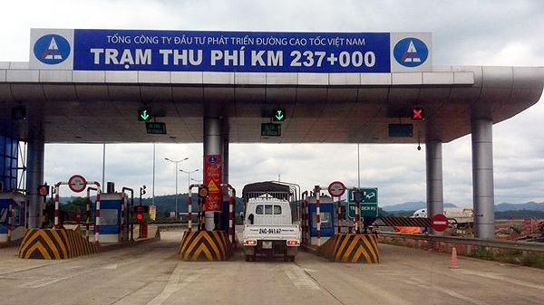 Trạm thu phí Nội Bài – Lào Cai bị sét đán.h tê liệt