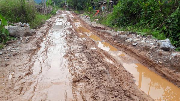 Dân Lào Cai khổ vì đường xuống cấp nghiêm trọng