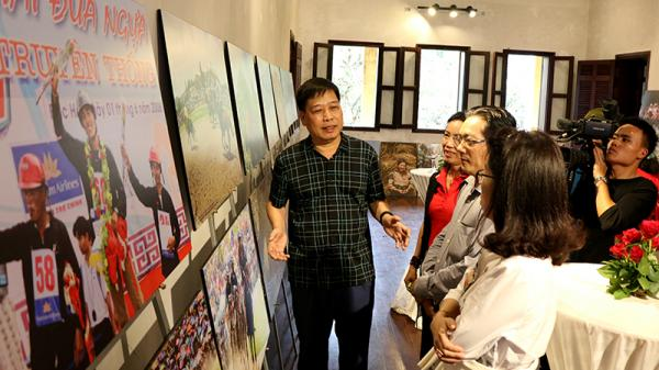 """Lào Cai: Triển lãm ảnh nghệ thuật chủ đề """"Vó ngựa cao nguyên trắng"""""""