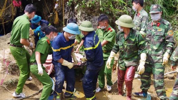 Tìm thấy t.hi t.hể người đàn ông mắc kẹt nhiều ngày trong hang đá ở Lào Cai