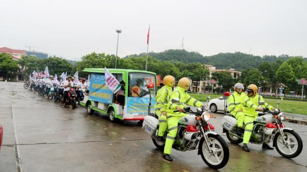 Lào Cai: Diễu hành tuyên truyền giảm thiểu ô nhiễm môi trường không khí