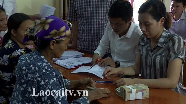 Bảo Thắng (Lào Cai) chi trả đợt 2 tiền hỗ trợ các hộ dân bị tiêu hủy lợn do dịch tả Châu Phi