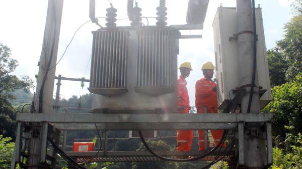 """""""Sản lượng tiêu thụ điện của tỉnh Lào Cai nhiều hơn 5 tỉnh miền núi phía Bắc cộng lại"""""""