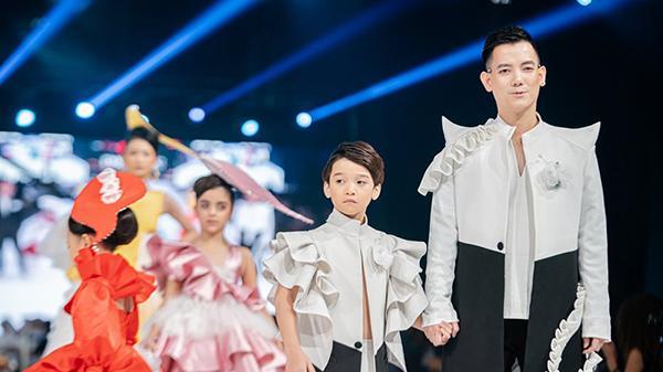 Hành trình đem thời trang trẻ em Việt 'phủ sóng' năm châu của chàng đạo diễn Lào Cai tài ba