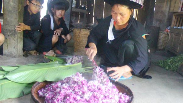 Ăn rằm tháng Bảy ở bản Mông xanh (Lào Cai)