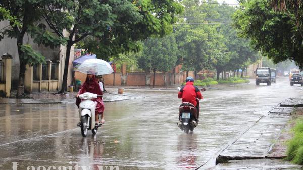 Thời tiết ngày 15/8: Lào Cai mưa dông, các địa phương đề phòng lốc xoáy và lũ quét
