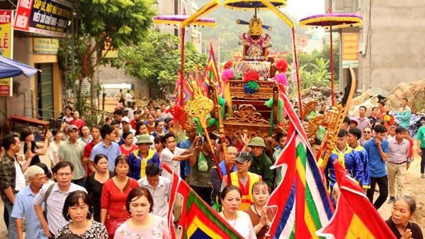 Hàng vạn du khách tham gia Lễ hội đền Bảo Hà (Lào Cai) năm 2019