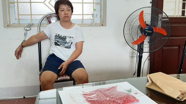 """Lào Cai: Bắt """"nữ quá.i"""" tàng trữ trái phép 1.600 viên m.a tú.y tổng hợp"""
