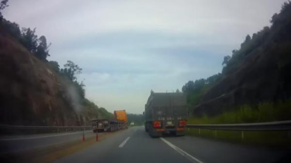 Xe container đi ngược chiều trên cao tốc Nội Bài - Lào Cai