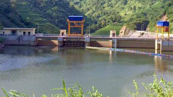 Tìm thấy thi thể nạn nhân thứ hai trong vụ hai vợ chồng bị lũ cuốn trôi ở Bản Hồ (Lào Cai)
