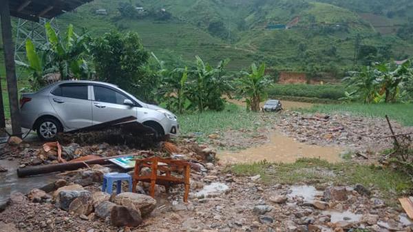 Bao giờ Công ty Việt Long hỗ trợ người dân Lào Cai vùng lũ?