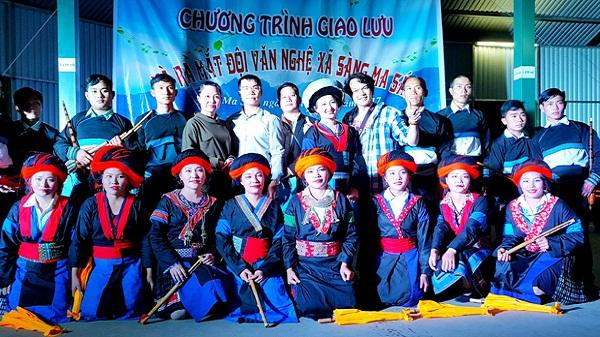 Ra mắt đội văn nghệ dân tộc Mông Sàng Ma Sáo